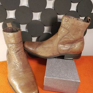 Rockport Shoes - Rockport  Distressed Brown Leather  Boot..size 13